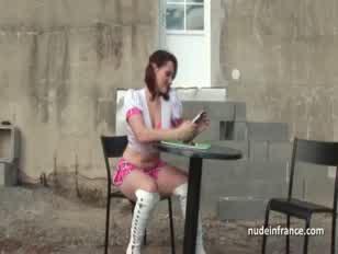 بنات يمرسون السكس باستخدام الادوات حتي القذف