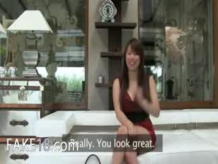 فاتنة الصينية مع يام الحجم الحمار اللعنة على أريكة